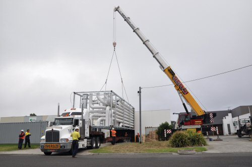 ae-smith-giant-prefabricated-riser-module-installation-for-lend-lease-at-monash-university-c-500px