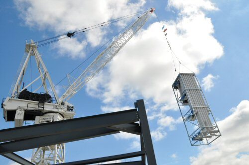 ae-smith-giant-prefabricated-riser-module-installation-for-lend-lease-at-monash-university-f-500px